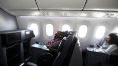 United Airlines: pasajeros que se niegan a usar mascarillas pueden perder privilegios de viaje