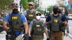 Arrestan a 2 personas que portaban palas y armas en un aeropuerto de Ohio, cerca del mitin de Trump