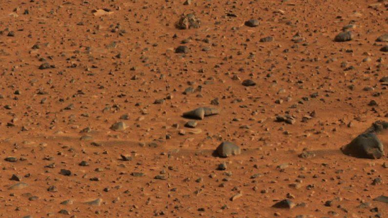 MARTE - 6 DE ENERO: En esta imagen publicada por la NASA, las rayas en el suelo marciano causadas por los vientos dominantes se ven en una imagen tomada por la cámara panorámica del Rover Spirit de exploración de Marte el 6 de enero de 2003. (Foto de NASA/Laboratorio de Propulsión a Chorro/Universidad de Cornell vía Getty Images)
