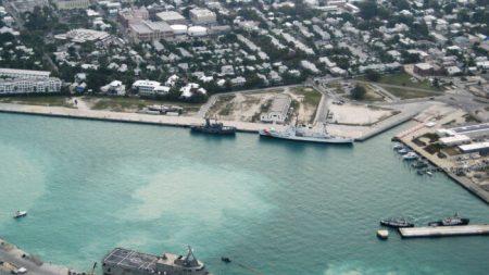 3 ciudadanos chinos fueron sentenciados a prisión por tomar fotos a base naval de EE.UU.