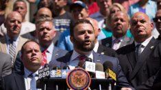 Concejal de Nueva York insta a Trump a revocar beneficios a las personas arrestadas por saqueo