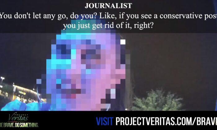 Una persona identificada por Project Veritas como moderador de contenido de Facebook habla con un periodista encubierto. (Captura de pantalla vía Project Veritas/YouTube)