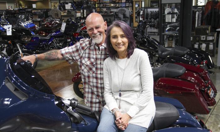 Ron e Yvette Emard han recaudado 5 millones de dólares en apoyo de más de 1000 niños y 30 organizaciones benéficas. (Linda KC Reynolds)