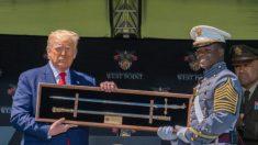 Trump responde a especulaciones sobre su caminata por una rampa de West Point
