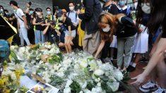 Hongkoneses conmemoran el primer aniversario de la muerte de un manifestante