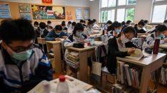 """Régimen chino planea enviar profesores """"políticamente correctos"""" para enseñar en Hong Kong y Macao"""