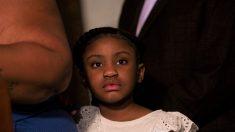 Universidad de Texas ofrece una beca completa a la hija de George Floyd