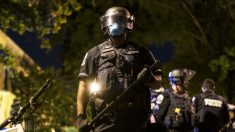 Sheriff de Las Vegas dice que un oficial recibió un disparo durante un encuentro con manifestantes