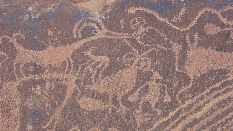Imagen ilustrativa de un petroglifo. (Ann Gordon en Pixabay)