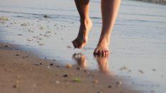 ¿Caminar descalzo puede curar su corazón?