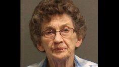 """Anciana de 88 años dispara a un supuesto ladrón en su propia tienda: """"Estoy harta"""""""