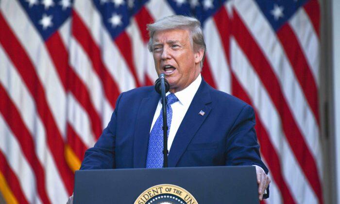 El presidente Donald Trump pronuncia un discurso ante los medios de comunicación en la Rosaleda de la Casa Blanca en Washington, el 1 de junio de 2020. (Brendan Smialowski/AFP vía Getty Images)