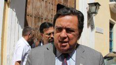 Exgobernador Richardson viaja a Venezuela para pedir liberación de estadounidenses presos