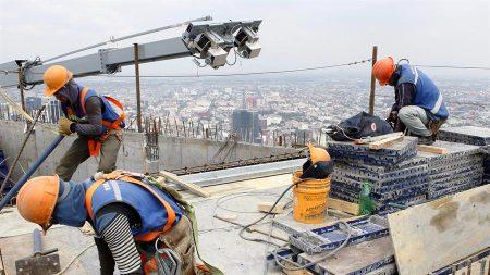 La producción industrial en México se desploma un 30.7 % en mayo