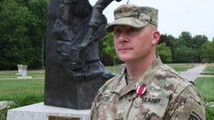 Soldado del ejército de EE. UU. de acción rápida realiza maniobra de Heimlich y salva la vida de bebé