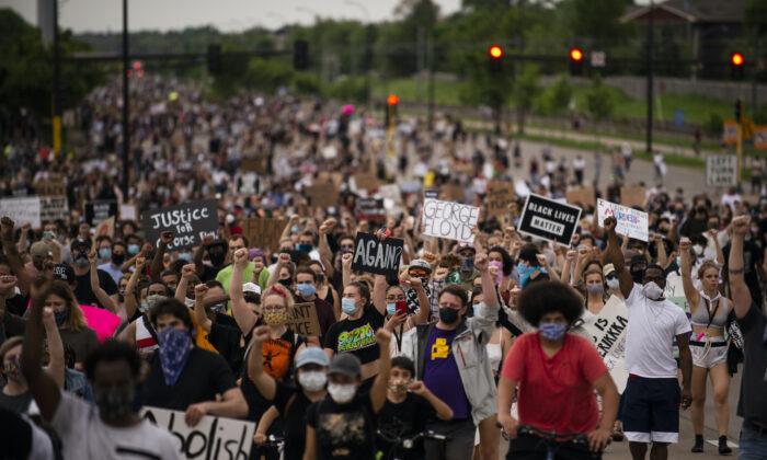 Una foto de archivo de los manifestantes de Black Lives Matter. (Stephen Maturen/Getty Images)