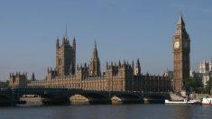 """Londres endurece la inmigración para atraer a trabajadores más """"talentosos"""""""