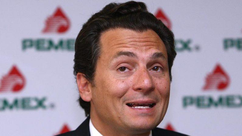Fotografía del exdirector de Petróleos Mexicanos (Pemex) Emilio Lozoya, durante una conferencia de prensa en Ciudad de México. EFE/Alex Cruz/Archivo