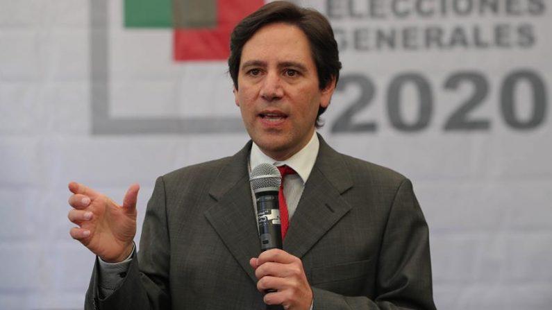 En la imagen, el presidente del Tribunal Supremo Electoral (TSE), Salvador Romero. EFE/Martín Alipaz/Archivo