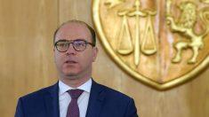 Dimite el primer ministro de Túnez por acusaciones de corrupción
