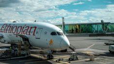 Un avión de carga de Ethiopian se incendia en el aeropuerto de Shanghái