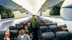Senador Merkley presentará proyecto de ley que limita a ⅔ la capacidad de vuelo durante la pandemia