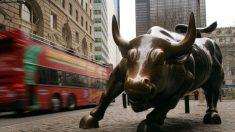 Pequeños inversores organizados aplastan a fondos de cobertura comprando acciones de GameStop