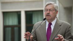 Embajador de Estados Unidos en China pide a Beijing que restablezca las libertades de Hong Kong