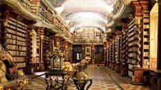 Biblioteca más hermosa del mundo: El Clementinum en Praga es un sueño arquitectónico hecho realidad