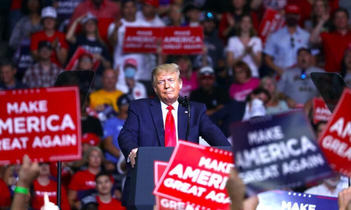 El presidente Donald Trump en un mitin de campaña en el Centro BOK, en Tulsa, Oklahoma, el 20 de junio de 2020. (Charlotte Cuthbertson/La Gran Época)