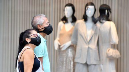 CEO de una cadena minorista dice estar dispuesto a perder clientes gracias a su política de máscaras