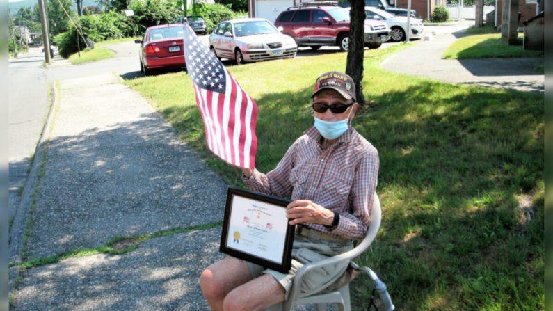 Imagen cortesía: Ken Buckbee, ex presidente de la Sociedad de Connecticut, Hijos de la Revolución Americana (2003-2006)