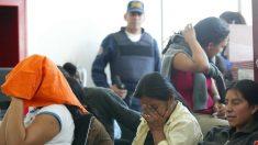 Detienen a 2 supuestos traficantes de personas en Honduras con dos cubanos