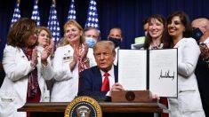 Trump firma 4 órdenes ejecutivas para reducir los costos de los fármacos