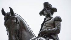 Posible fórmula vicepresidencial de Biden no se opone a eliminación de estatuas de George Washington