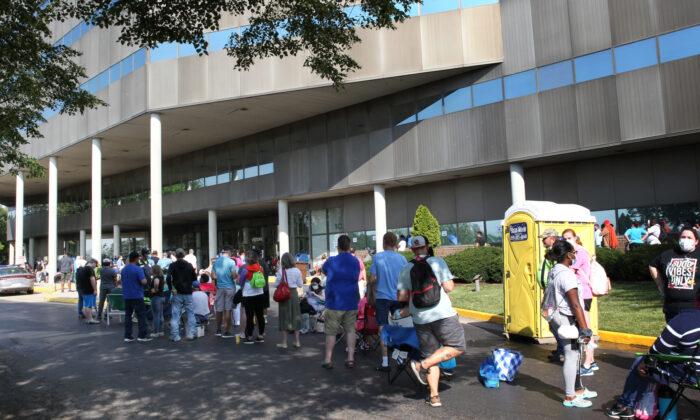Las peticiones semanales de subsidio por desempleo en EE.UU. suben a 412,000