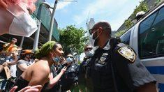 Legisladores de Nueva York recortan USD 1000 millones del presupuesto del NYPD