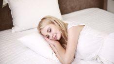 7 formas en que una almohada equivocada puede afectar negativamente su salud: acné, alergias