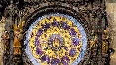 'Reloj Astronómico' de Praga de 600 años de antigüedad, está lleno de símbolos y un mensaje oculto