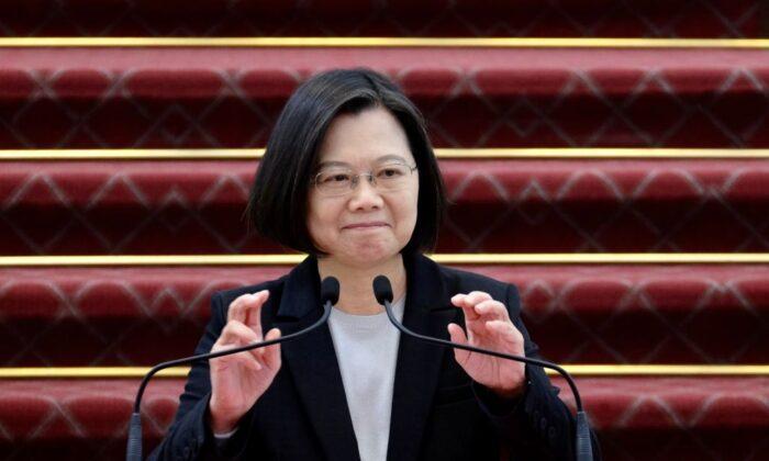 La presidente de Taiwán, Tsai Ing-wen, habla durante una conferencia de prensa en la oficina presidencial de Taipei el 22 de enero de 2020. (Sam Yeh/AFP vía Getty Images)