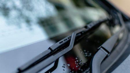 Texas: Estudiante que encontró notas racistas en su auto las puso él mismo, según la policía