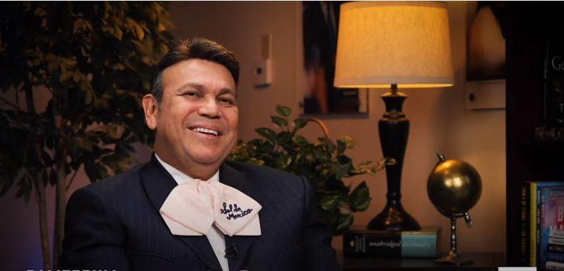 José Hernández, fundador del grupo Mariachi Sol de México (Screenshot/California Insider)