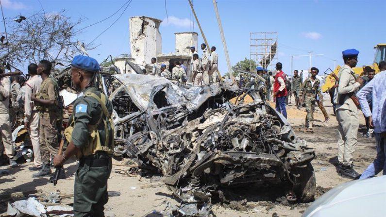 Imagen de otro atentado en Mogadiscio (Somalia). EFE/EPA/SAID YUSUF WARSAME/Archivo