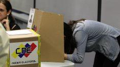 """Guaidó respalda a 27 partidos de oposición que no irán a una """"farsa"""" electoral"""