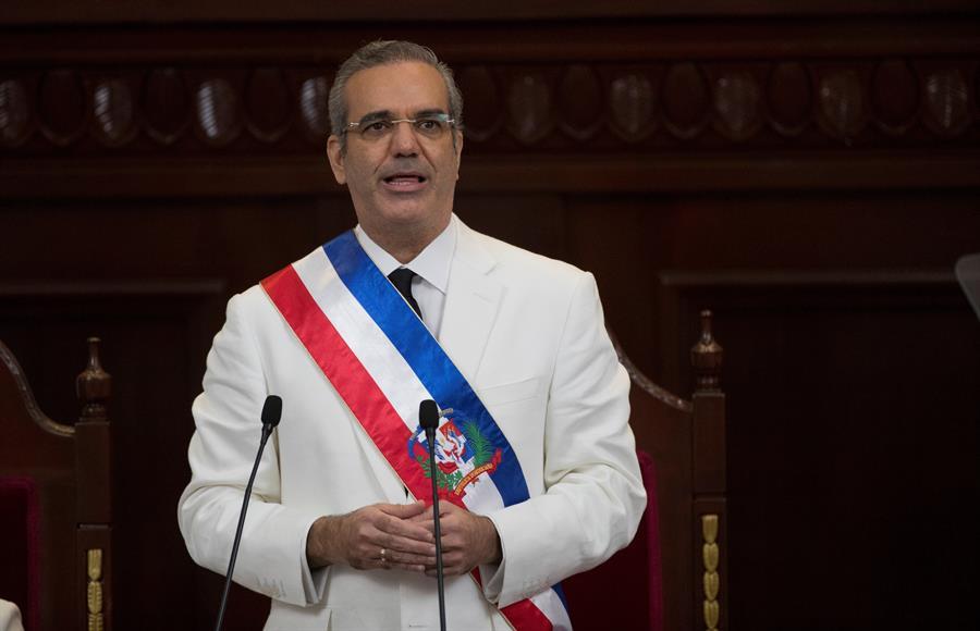 Abinader asume la Presidencia dominicana en ceremonia reducida por ...