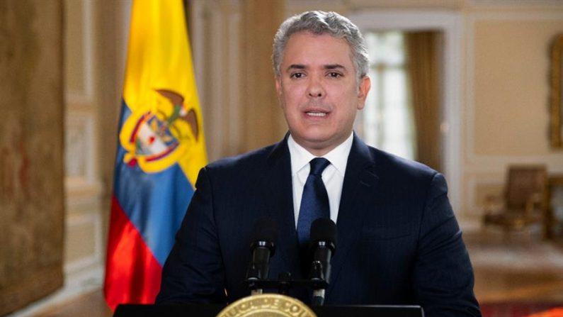 Fotografía cedida por la Presidencia de Colombia que muestra al presidente de Colombia, Iván Duque, mientras ofrece una rueda de prensa el 4 de agosto de 2020 en Bogotá (Colombia). EFE/Presidencia De Colombia