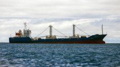 Flota pesquera china que estaba frente a las islas Galápagos se desplazó hacia Perú