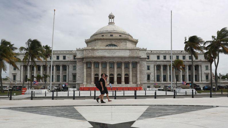 El edificio del Capitolio de Puerto Rico, foto tomada el 1 de agosto de 2019 en el Viejo San Juan, Puerto Rico.  (Foto de Joe Raedle/Getty Images)