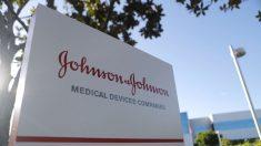 EE.UU. dará USD 1000 millones a Johnson & Johnson para la manufactura de vacuna contra COVID-19