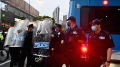 EE. UU.: Confianza en la policía cae al nivel más bajo en casi tres décadas, según encuesta